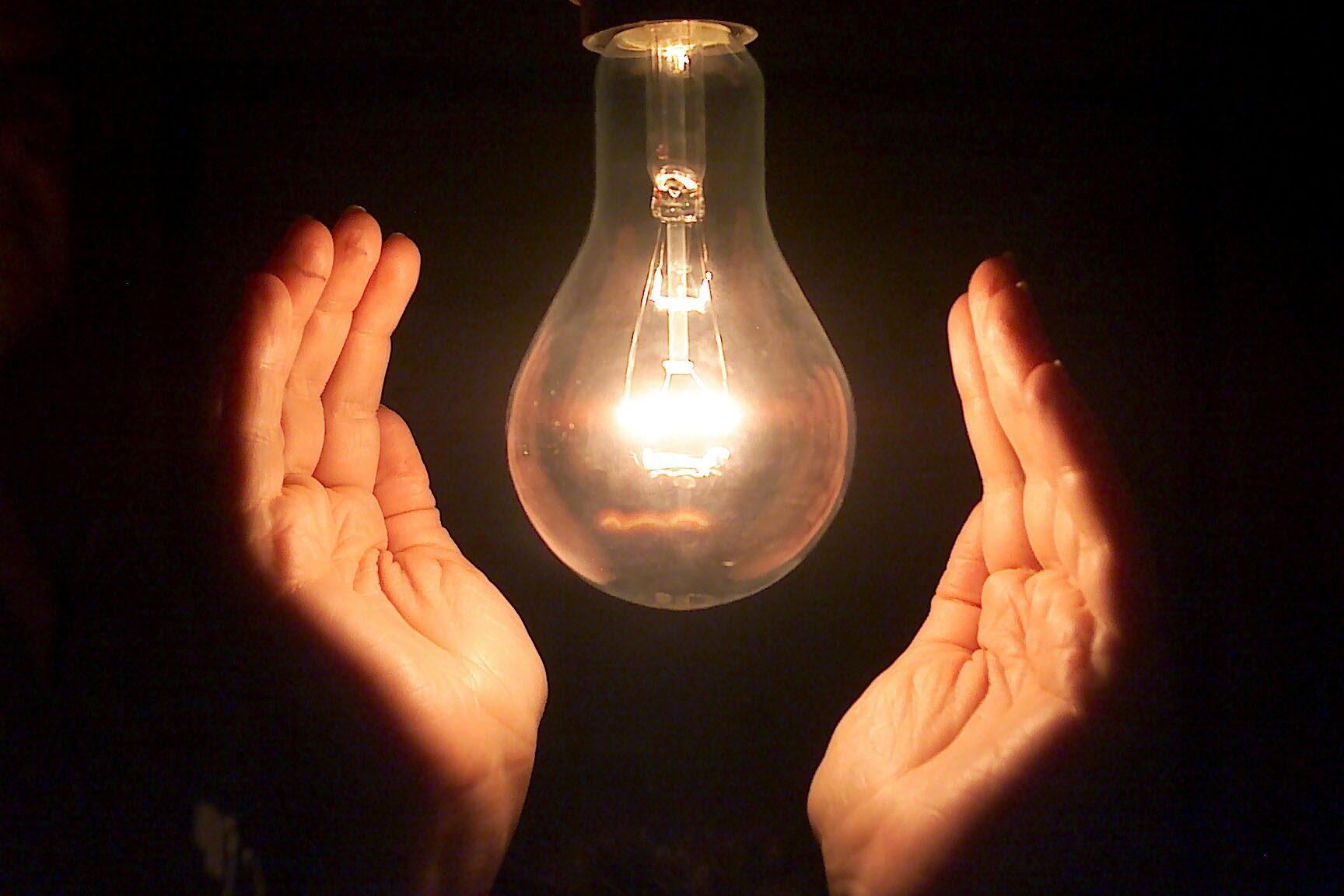 Resultado de imagen de luz electrica